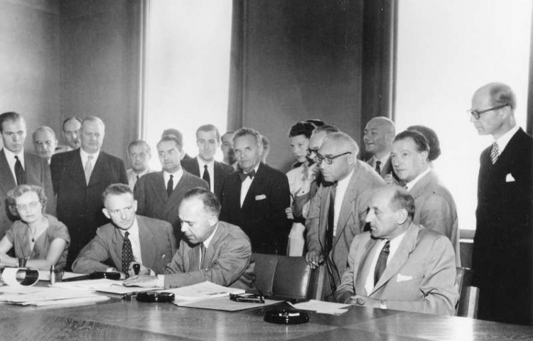 Ondertekening van het Verdrag van Geneve