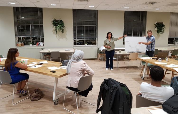 COA-medewerkers trainen rolmodellen