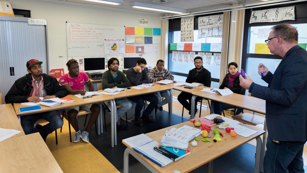 Statushouders tijdens een NT2-les