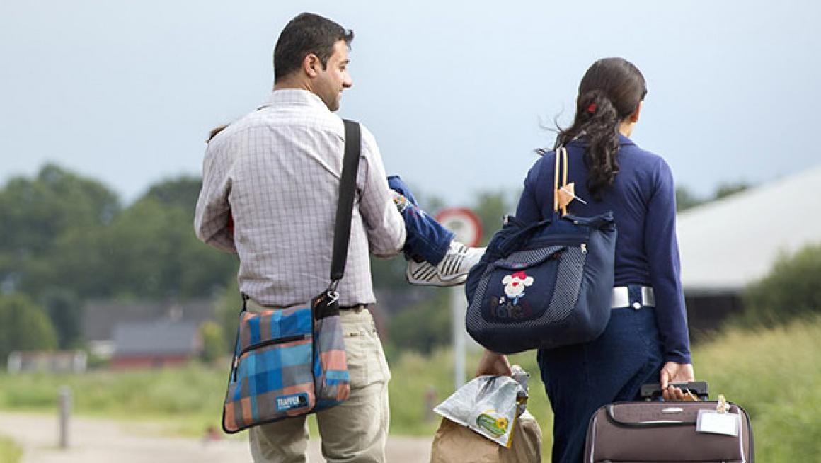 Asielzoekers onderweg naar Ter Apel