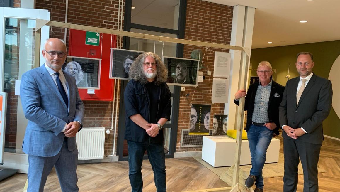 Fototentoonstelling over azc Balk