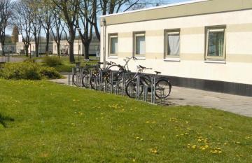fietsenrek voor azc-gebouw