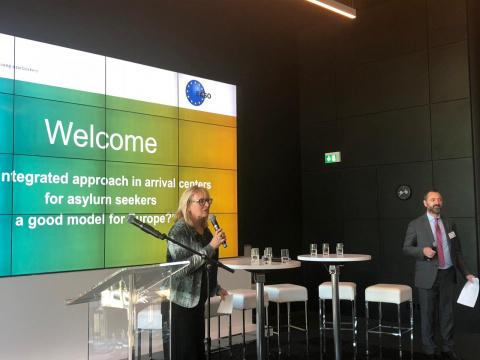 Mirjam Schuit (COA) opent het symposium