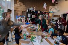 Creatieve activiteit voor kinderen in het azc